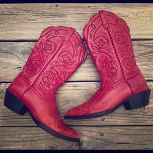 SOLD Ariat Women's Western boots size 7 sassy red